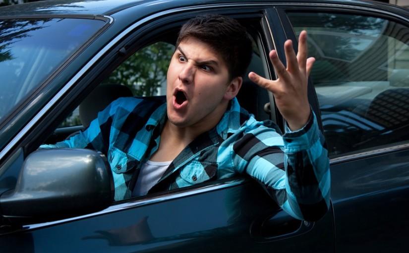Rasen, drängeln, überholen – Aggressivität im Straßenverkehr