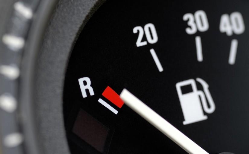 Auto Ratgeber: Den Tank niemals leer fahren